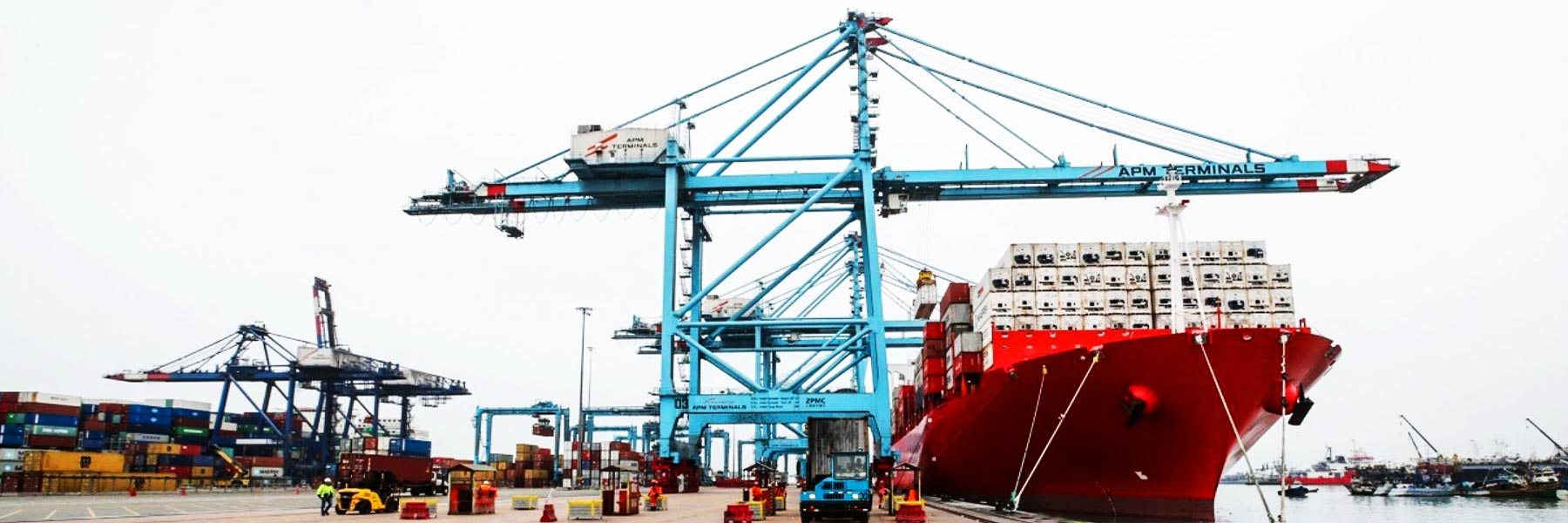 Peruvian ship chandler SCP at port